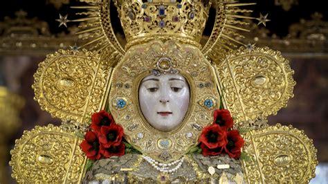 La Virgen del Rocío saldrá tres veces en procesión durante ...