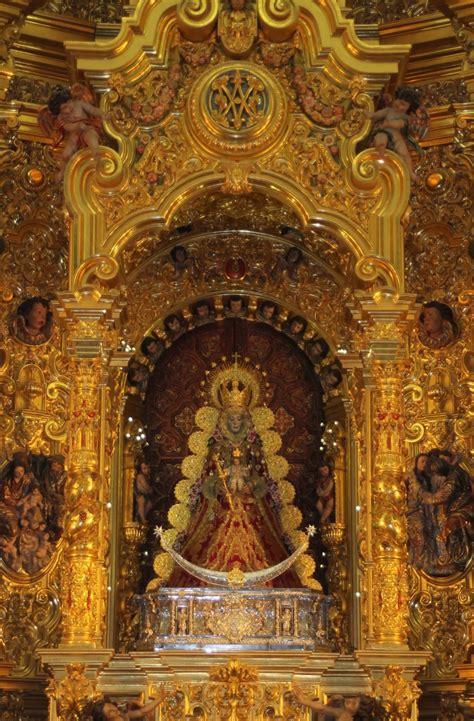 La Virgen del Rocío se viste para la Navidad 2015 | Rocio.com