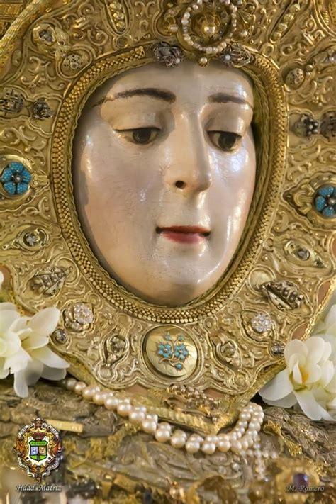 La Virgen del Rocío ya está en su paso para la Romería ...