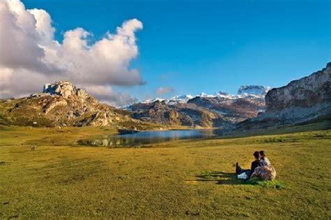 Lagos de Covadonga, Parque Nacional de los Picos de Europa ...