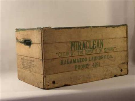 Large True Vintage  1938  Folding Wooden Box   Baskets ...
