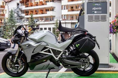 Las 17 motos eléctricas que saldrán a la venta en España ...