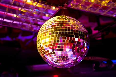 Las 8 mejores bolas de discoteca | Discotequeros.com 【2020】
