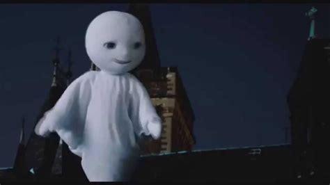 Las Aventuras del Pequeño Fantasma   Trailer español ...