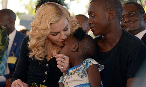 Las hijas de Madonna y su baile viral a ritmo del 'Waka ...