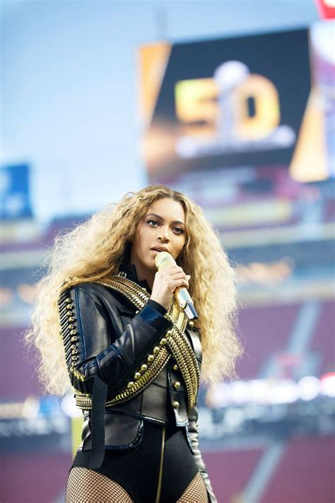 Las impresionantes imágenes de Beyoncé en el Super Bowl 50 ...