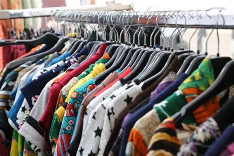 Las mejores tiendas de ropa de segunda mano de Barcelona y ...