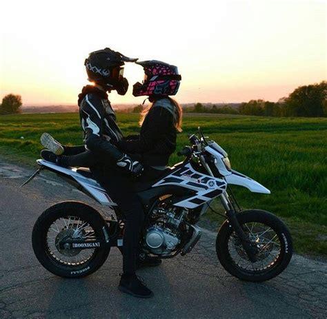 Las mujeres aman a los hombres con motocicleta | Memo Lira