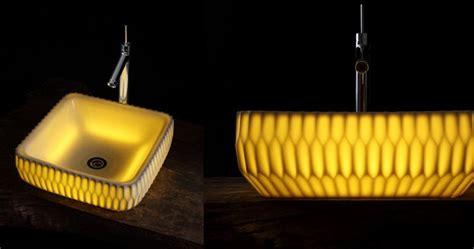 Las pilas de porcelana luminosa de Masahiro Minami | Maria ...