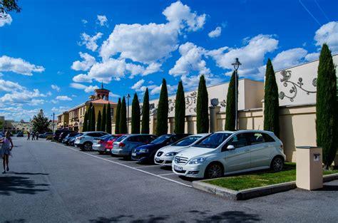 Las Rozas Village luxury brands outlet 70% off ...