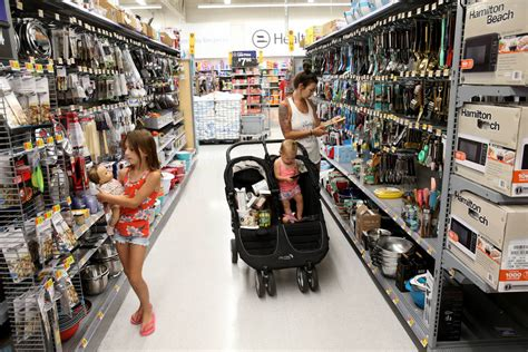 Las Vegas Walmart shoppers among 1st to try next day ...
