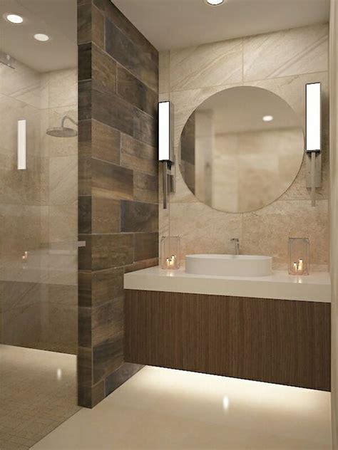 Lavabo espejo redondo muro duela | Diseño de baños ...