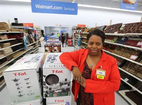 "Layaway ""angels"" help Walmart shoppers make dreams come ..."
