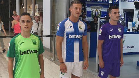 Leganés: El Leganés presenta sus nuevas equipaciones ...