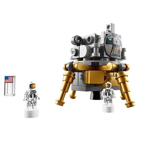 LEGO Apollo Saturn V Rocket   The Awesomer