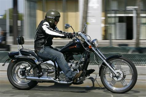 Leonart 125 Spyder   Moto Magazine   leader de l'actualité ...