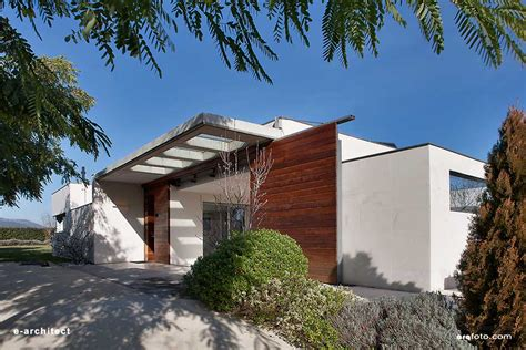 Les Franqueses del Vallés House: New Barcelona Home   e ...