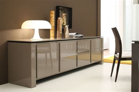 Light Brown Finish Contemporary Buffet With Spacious Cabinets