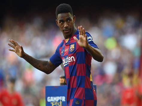 Lionel Messi yêu cầu Barcelona nhanh chóng bán đi Junior Firpo