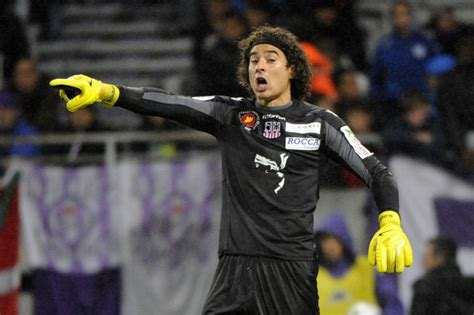 Liverpool set to bring Mexican goalkeeper Guillermo Ochoa ...