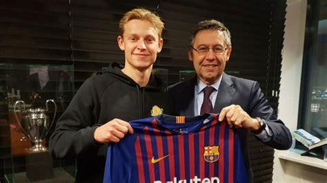 Llega nueva competencia para Vidal: Barcelona oficializa ...