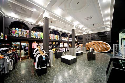 LONGBOARDMAG.ES: ¡Descubre la nueva tienda VANS en Madrid!