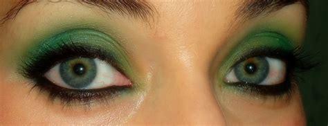 Look en tonos verdes,   Tonos de verde, Maquillaje, Verde