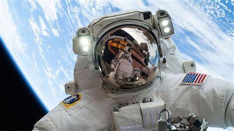 los 11 mejores selfies de astronautas caminando en el ...