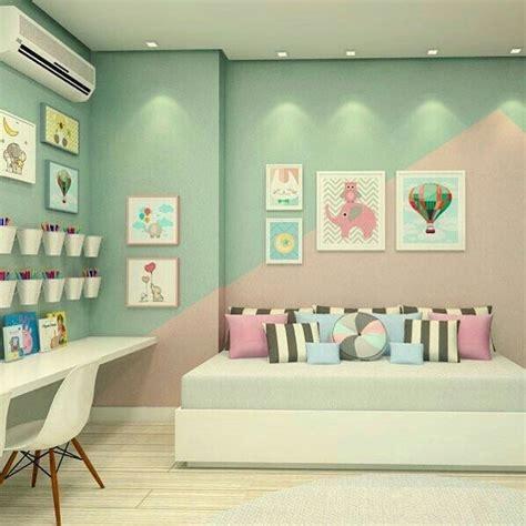 Los 12 colores que mejor combinan con el rosa en decoración