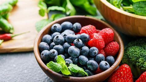 Los 8 alimentos más potentes para limpiar el estómago | El ...