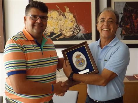 Los árbitros de fútbol visitaron la sede de Cabrera Medina ...
