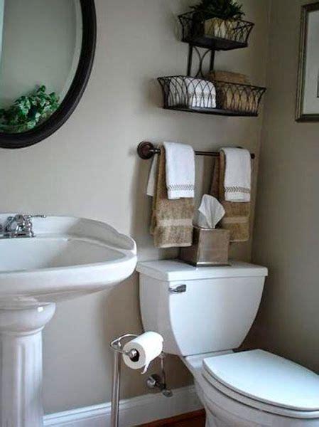 Los baños casi siempre son muy reducidos pero podemos ...