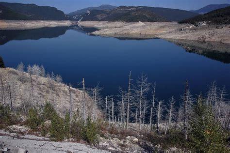 Los embalses de la cuenca del Ebro, al 77% tras bajar en ...