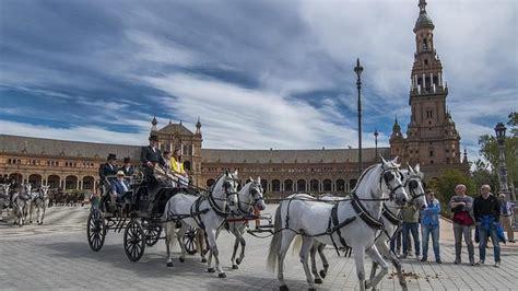 Los enganches toman el centro de Sevilla