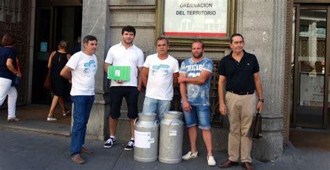 Los ganaderos piden ayudas urgentes | SER Madrid Norte ...