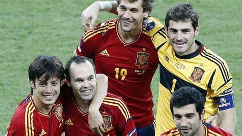 Los jugadores de la selección española tienen una sonrisa ...