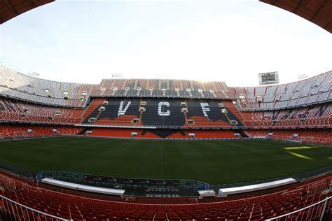 Los jugadores del Valencia CF no quieren jugar en Mestalla ...
