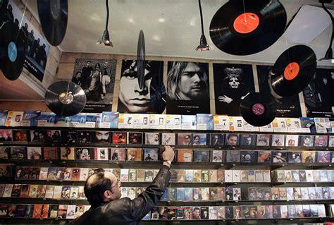 Los locales de discos rinden una oda musical al vinilo