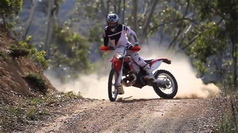 los mejores saltos y acrobacias de moto cross   YouTube