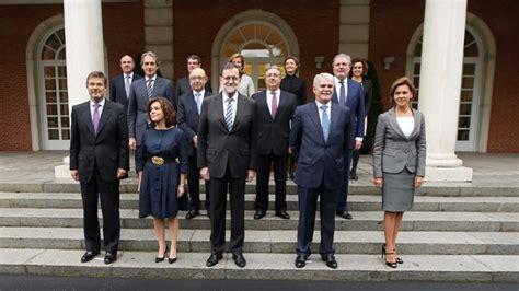 Los nuevos ministros del Gobierno de Mariano Rajoy juran ...