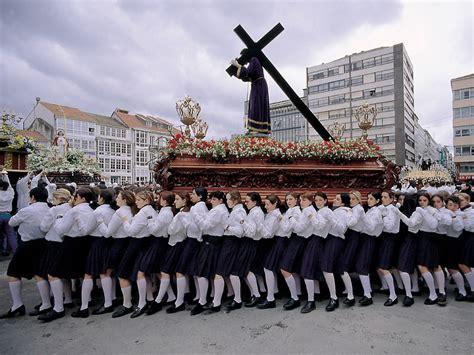 Los podólogos gallegos aconsejan a los cofrades preparar ...