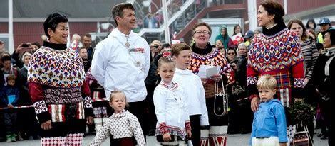 Los Príncipes Federico y Mary de Dinamarca lucen los ...