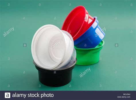 Los recipientes de plástico para líquidos alimentarios ...