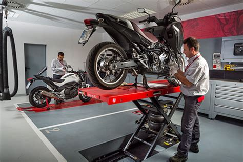 Los talleres, concesionarios y tiendas de motos con el ...