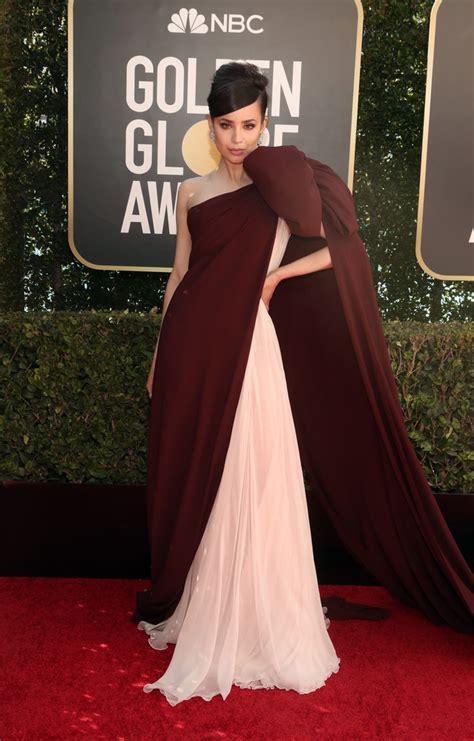 Los vestidos de la  extraña  alfombra roja de los Globos ...