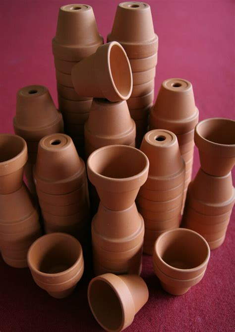 LOT OF 50 SMALL CLAY FLOWER POTS, DOLL HOUSE, FAIRY GARDEN ...