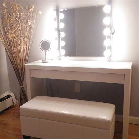 love the bench, wall mirror is Kolja mirror from Ikea ...