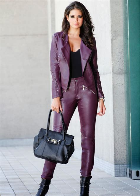 Lovely Ladies in Leather: Carla Ossa in a leather suit
