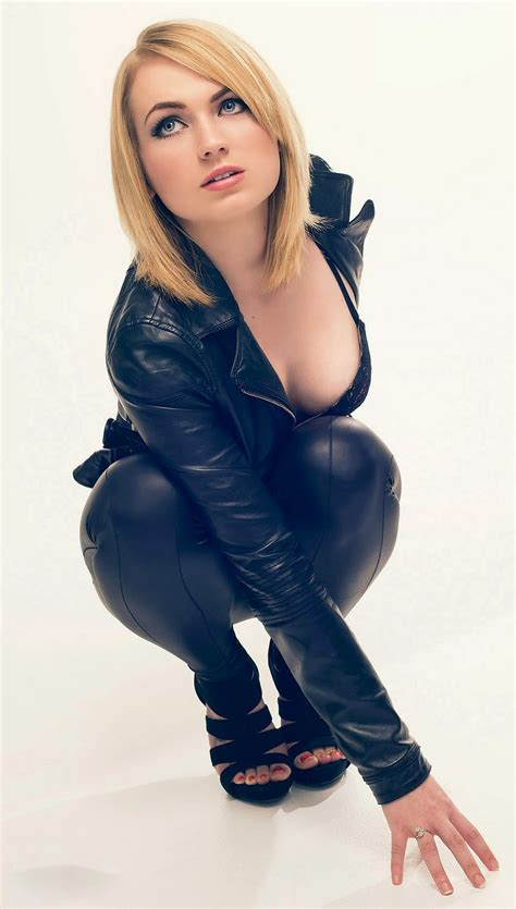 Lovely Ladies in Leather: Ladies in Leather Suits