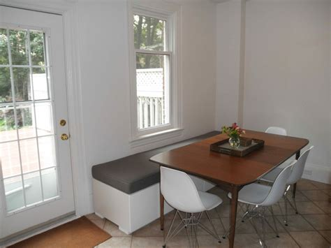 loving albany: Behold the Kitchen Banquette